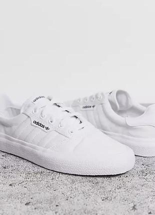 Белые кроссовки adidas originals 3mc !