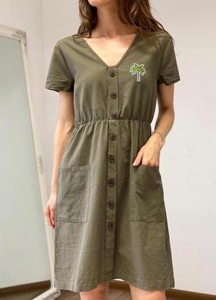 Классное платье с карманами и пальмой