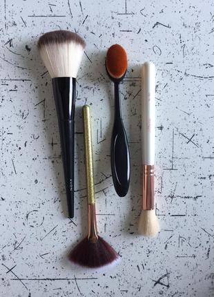 Набір пензликів для макіяжу / набор кисточек для макияжа / кисть для пудры хайлайтера