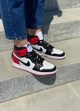 Женские кроссовки nike jordan 1 retro red жіночі кросівки