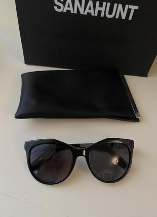 Чёрные очки fendi