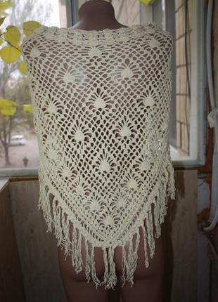 Шаль накидка платок вязаный с бахромой в стиле бохо