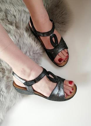 Женские кожаные босоножки босоніжки сандалии 39р