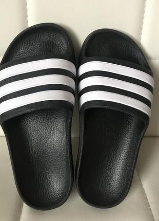 Шлёпанцы adidas
