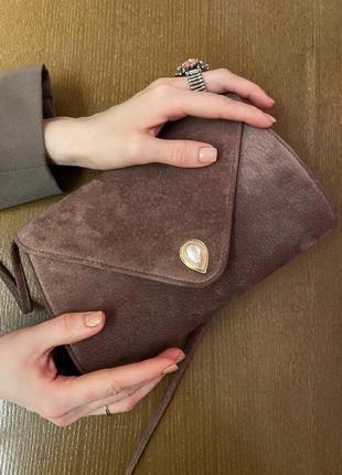 Винтажная замшевая сумочка с жемчужиной