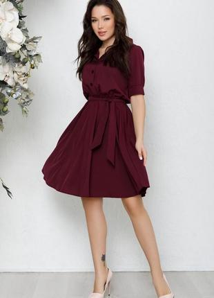 Приталенное платье-рубашка с короткими рукавами