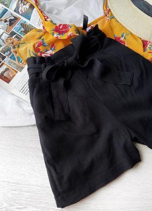 Стильные базовые шорты с поясом bershka