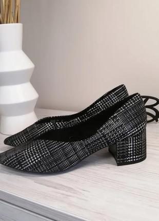 Шикарные туфли лодочки next