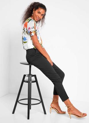 Летняя блуза в цветочный принт с завязками на плечах