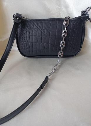 Модная черная сумка с серебристой цепочкой стильная сумочка 30584 фото