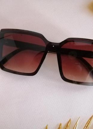 Эксклюзивные коричневые брендовые квадратные солнцезащитные женские очки 20215 фото