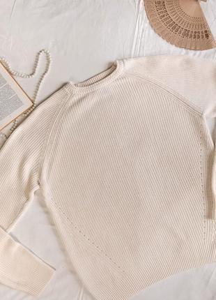 Базовый молочный свитер из натурального хлопка (размер 42-44)