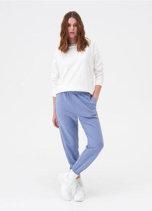 Спортивные штаны, джоггеры женские без флиса с карманами2 фото