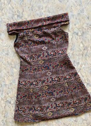 Красивое фактурное платье с открытыми плечами zara s/m❤️🤎🧡