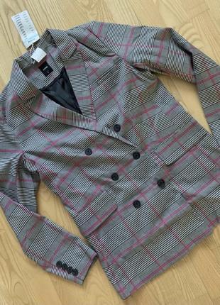Актуальный, трендовый пиджак, жакет в клетку