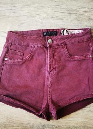 Джинсовые шорты с завышенной талией бордового цвета - bershka