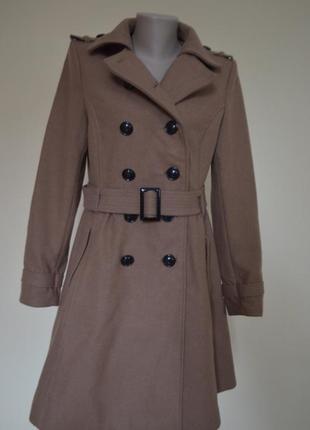 Качественное шерстяное пальто модного нюдового цвета