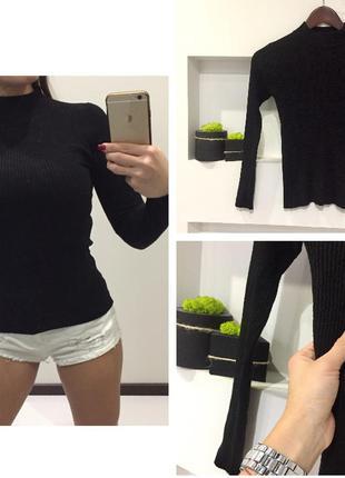 Базовый черный свитер гольф в рубчик