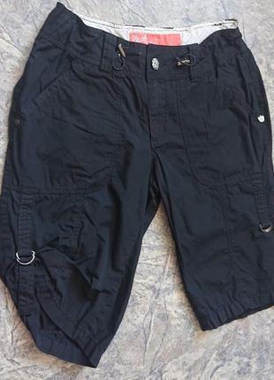 Хлопковые черные шорты.
