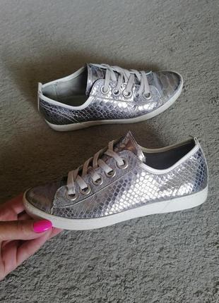 Классные туфли слипоны кроссовки испания кожа полностью globus
