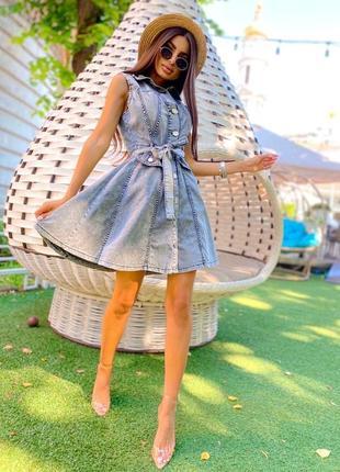 Джинсовое платье на кнопках