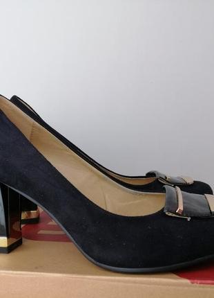Туфли чёрные женские замш на среднем каблуке