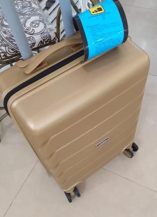 Маленький чемодан ,для ручной клади ,суперпрочный корпус!4 фото