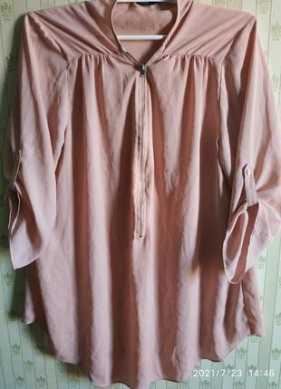 Легкая блуза с укорочеными рукавами .