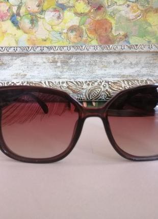 Эксклюзивные коричневые брендовые солнцезащитные женские очки лисички 20215 фото