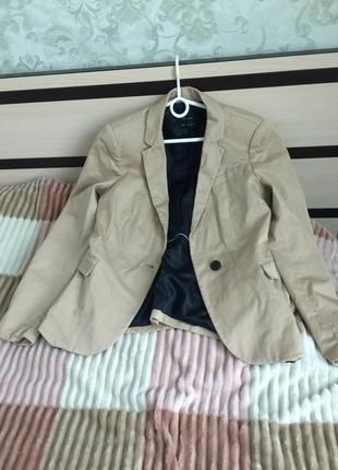 Пиджак коттон zara красивого тёплого бежевого цвета