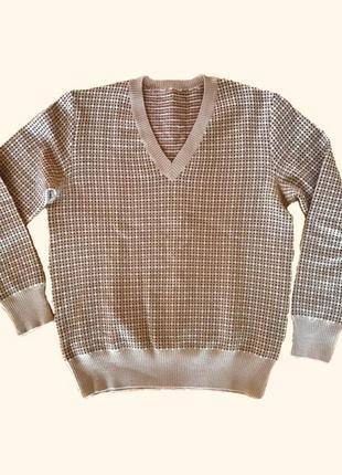 Об'ємний м'який светр
