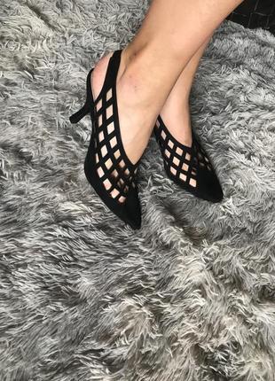Туфли босоножки с открытой пяткой на каблуке