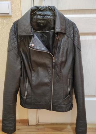 Брендовая куртка-косуха черного цвета