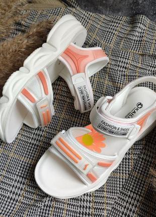 Розово-белые женские сандали