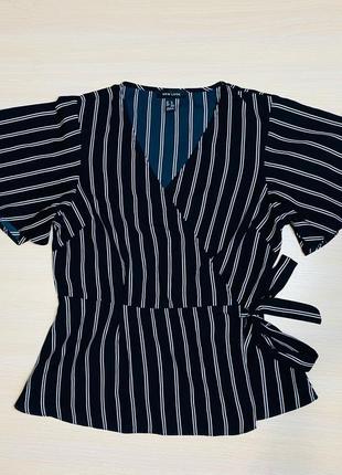 Классическая блуза на запах  в полоску 44 s