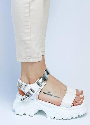 Босоножки женские белые спортивные на толстой подошве платформе из искусственной кожи кожаные 6681