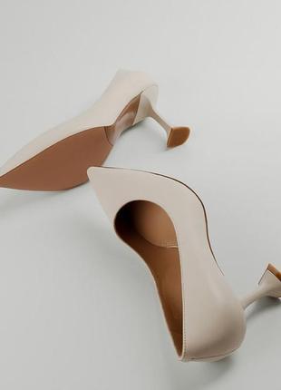 Туфли лодочки в молочном цвете