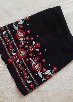 Красивая качественная джинсовая юбка с вышивкой от george