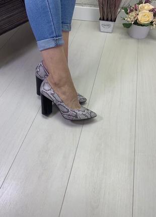 36-40 рр туфли - лодочки на устойчивом каблуке натуральная замша/кожа
