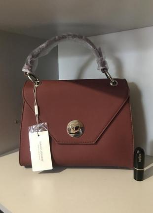 Красная классическая сумка