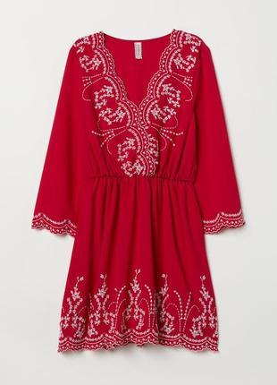 Роскошное красное платье с вышивкой от h&m devided. 14 р. новое!