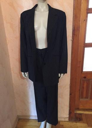 Качественный деловой костюм в полоску  mixi me большой размер