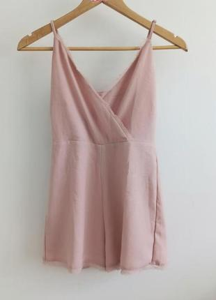 Светло розовый ромпер pull & bear