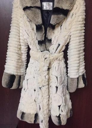 Шикарное пальто или шубка из шиншиллы,  размер s, м, l. цена 5500,  хороший торг!
