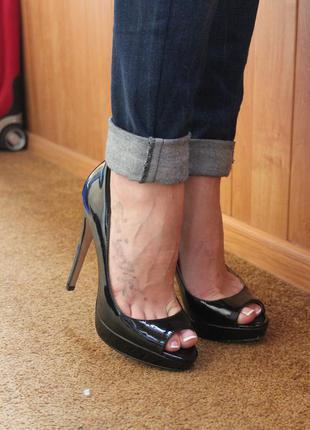 Лаковые туфли на высоком каблуке aldo