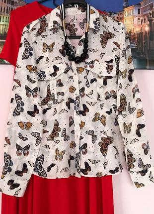 Натуральная блуза в бабочки