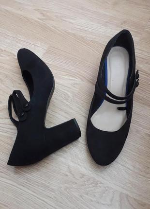 Туфли  р.40(26см)  туфлі  мешти  капці