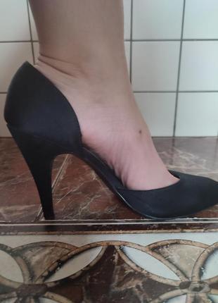 Туфлі,босоножки