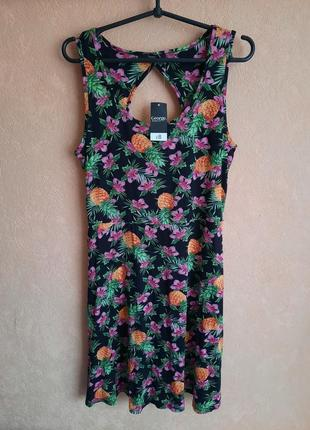 1+1=3 яркое платье с тропическим принтом