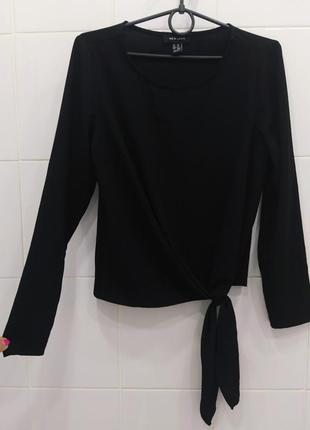 Стильная шифоновая блуза с узелком снизу